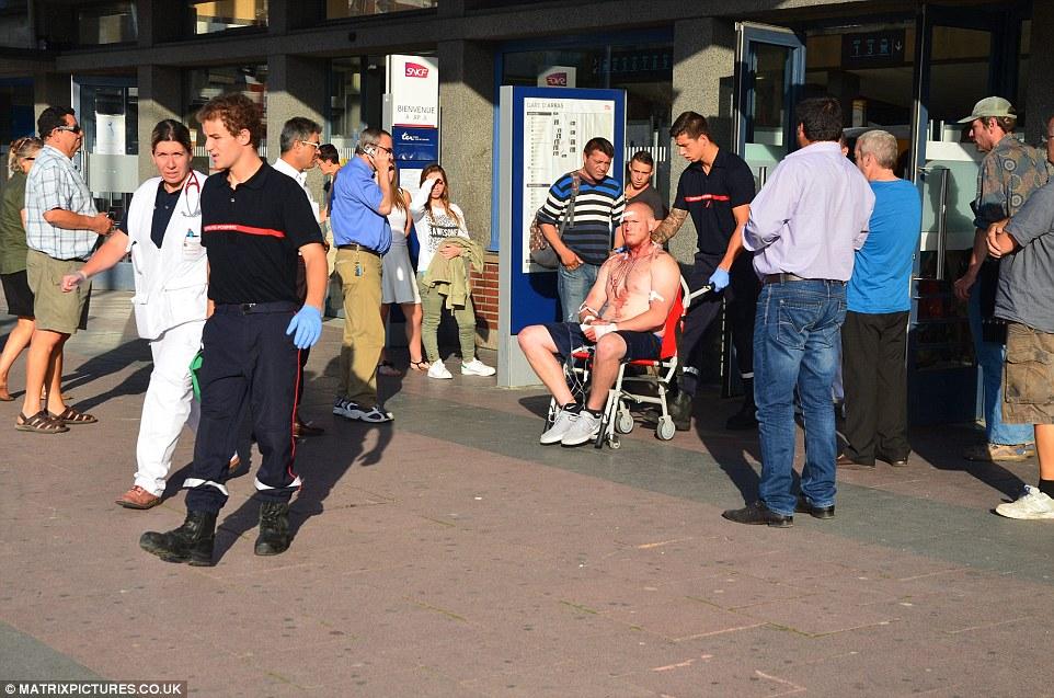 Spencert így gurították ki az állomásról: feje, nyaka és keze is véres volt