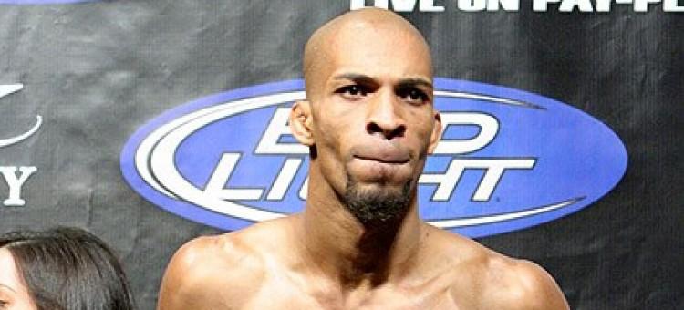 Corey-Hill-UFC-86-weigh-750x340-1431654189