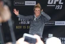 VIDEÓ: Holly Holm szabadedzése egy rajongóval