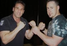 Ken Shamrock puszta ököllel verekszik áprilisban