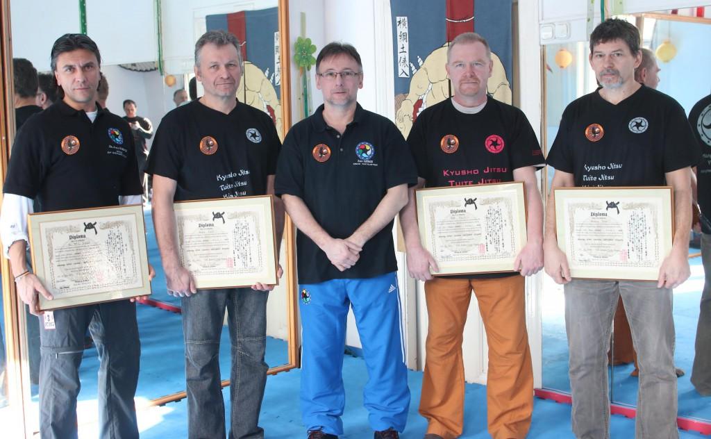 balról: Dr. Gubacsi Attila (kyokushin), Hrabák Miklós (shotokan), Tóth Tihamér (zendo ryu), Ferenczy Tamás (zendo ryu)